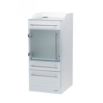 Gerätewagen P3 weiß (RAL 9016) mit Reling und Glastür aus ESG-Sicherheitsglas